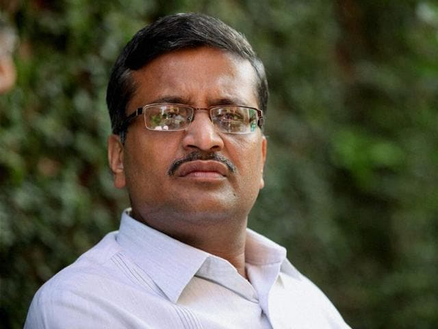Senior Haryana-cadre IAS officer Ashok Khemka was on Thursday transferred again by the Haryana government -- the 47th transfer for the officer in nearly 25 years of service.. (HT File Photo)