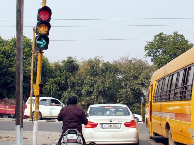 Ludhiana,traffic signal,Punjab Agriculture University