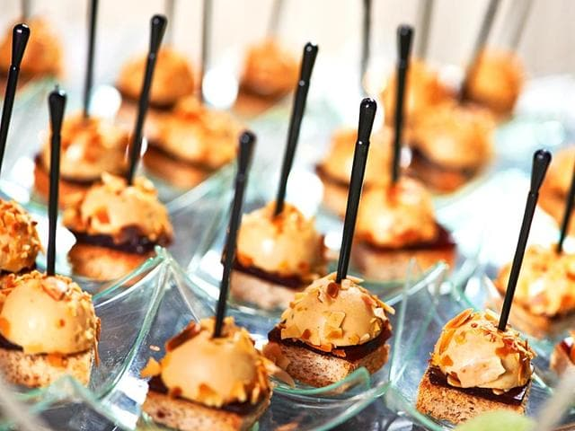 With-weddings-getting-bigger-better-and-costlier-we-give-you-a-low-down-on-the-latest-trends-that-make-the-wedding-affair-sweeter-tastier-and-yummier-Shutterstock