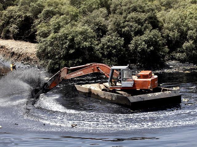 File-photo-of-the-Mithi-river-in-Mumbai-Kunal-Patil-HT-photo