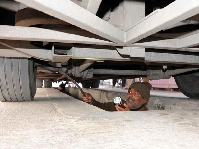 A-security-man-inspecting-the-Delhi-Lahore-bus-at-the-Attari-border-in-Amritsar-HT-photo
