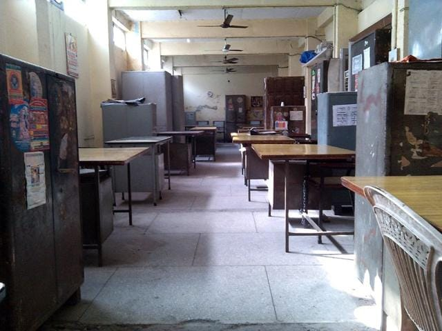 MC-s-Zone-A-office-near-Mata-Rani-Chowk-wears-a-deserted-look-on-Wednesday-HT-photo