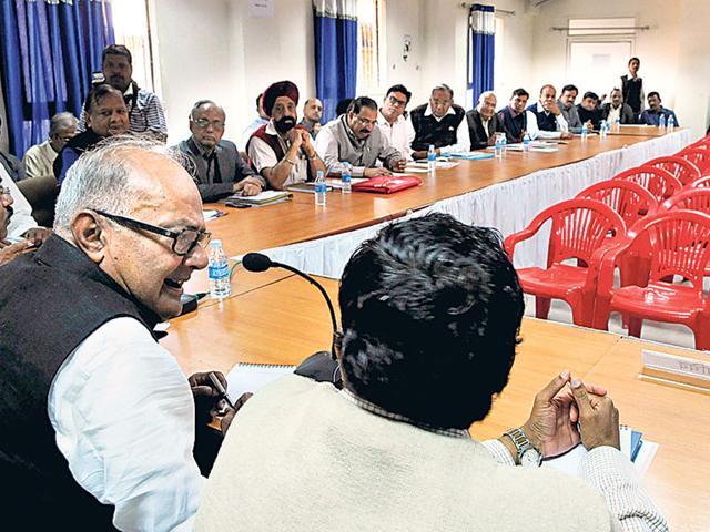 State-finance-minister-Jayant-Malaiya-interacts-with-representatives-of-trade-and-industry-in-Indore-on-Wednesday-Arun-Mondhe-HT-photo