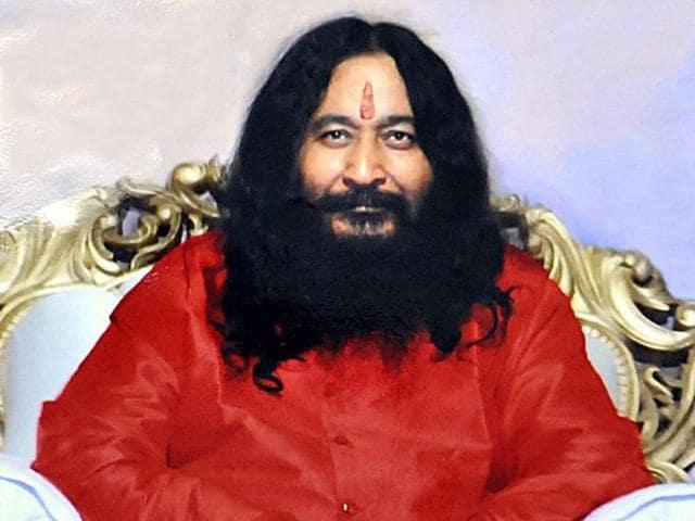 Ashutosh-Maharaj-the-head-of-Divya-Jyoti-Jagriti-Sansthan-has-been-kept-in-a-freezer-since-his-death-in-January-2014-HT-Photo