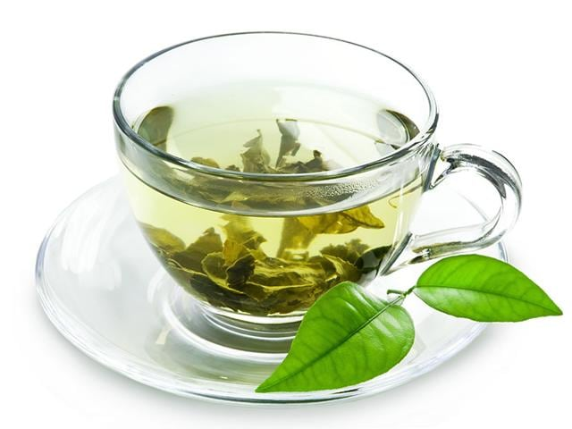 Drinking-green-tea-can-help-you-avoid-the-risk-of-liver-toxicity-Photo-Shutterstock