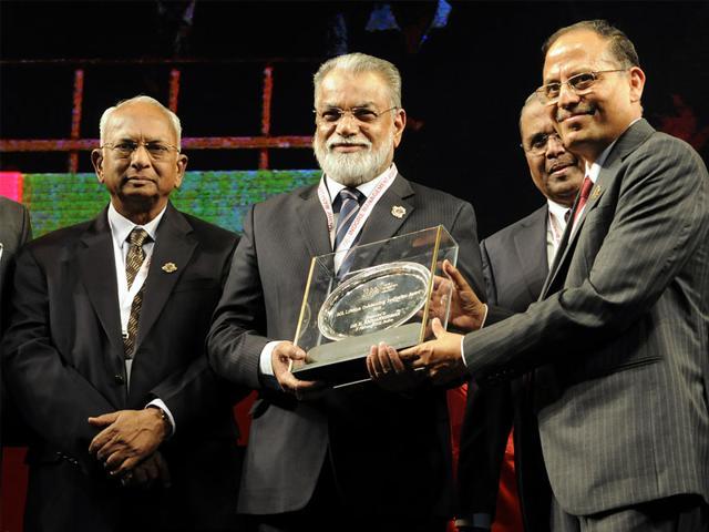 Former-ISRO-chairman-Dr-K-Radhakrishnan-being-conferred-upon-the-Lifetime-Innovation-Award-Arun-Mondhe-HT-photo