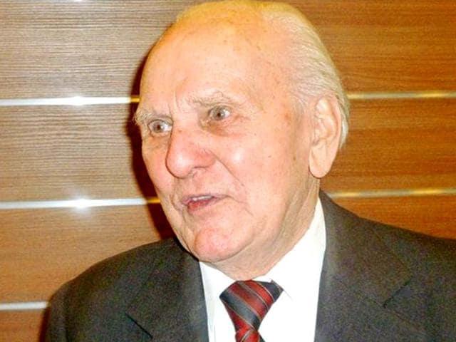 holocaust,Auschwitz commandant Rudolf Hoess,Jozef Paczynski