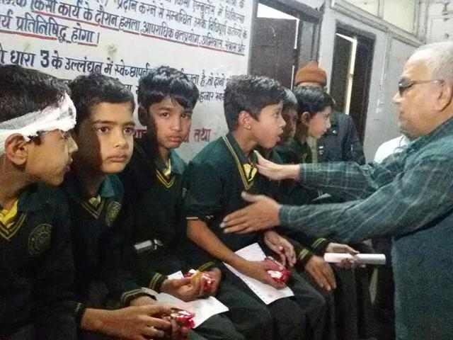 Injured-school-students-at-the-hospital-in-Dewas-on-Saturday-HT-photo