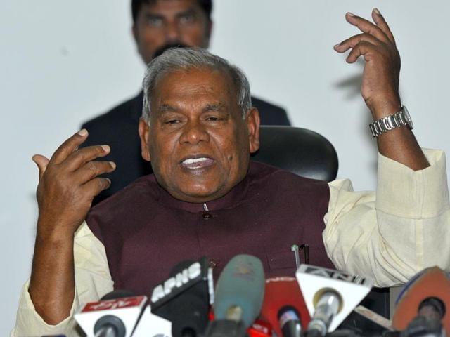 Bihar-chief-minister-Jitan-Ram-Manjhi-and-Nitish-Kumar-during-happier-times-Santosh-Kumar-HT-Photo