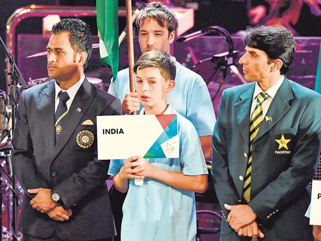 Indian-captain-MS-Dhoni-with-Pakistani-counterpart-Misbah-ul-Haq-at-the-opening-ceremony-of-the-World-Cup-in-Melbourne-on-Thursday-AFP-photo