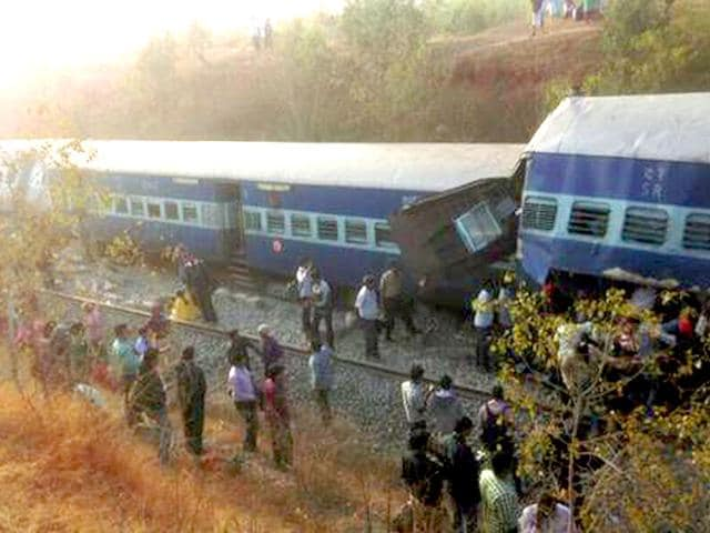 Derailed-bogies-of-the-Bangalore-Ernakulam-express-HT-photo