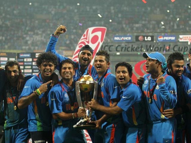 The-Indian-cricket-team-post-their-2011-World-Cup-win