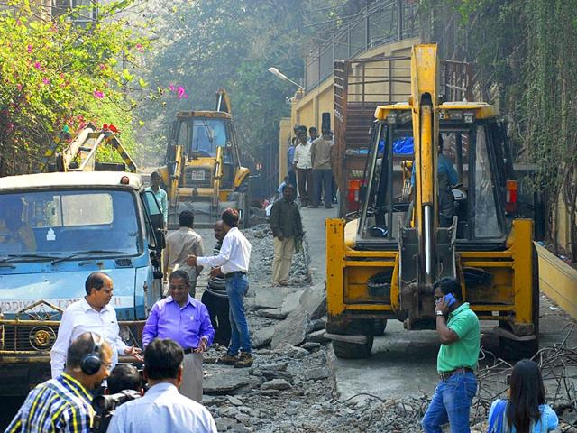 Illegal ramp: BMC to recover 2L demolition cost from Shah Rukh Khan