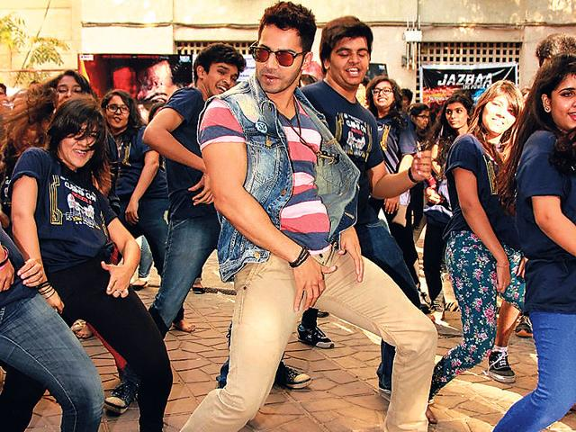 Varun Dhawan broke into a jig on the premises of a Mumbai college, where he was promoting Badlapur. (Photo: Viral Bhayani)