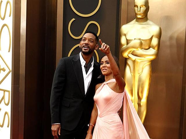 Will-Smith-and-wife-Jada-Pinkett-Smith-posed-together-at-The-Oscars-in-2013