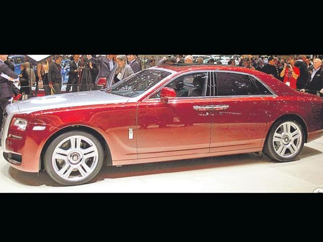 Rolls-Royce-s-Ghost-Series-II-costs-Rs-4-5-cr-in-India