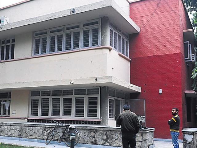 Arvind Kejriwal,Arvind Kejriwal's residence,Mathura Road