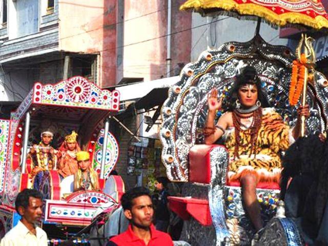 Shivratri-Shobha-Yatra-organised-at-Manimajra-HT-Photos