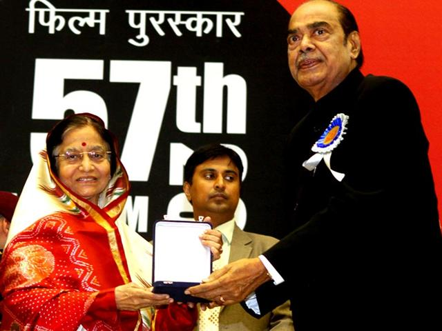 Former-president-Pratibha-Patil-presents-the-Dada-Saheb-Falke-Award-2009-to-Dr-D-Ramanaidu-during-the-57th-National-Films-Awards-function-in-New-Delhi-HT-File-Photo