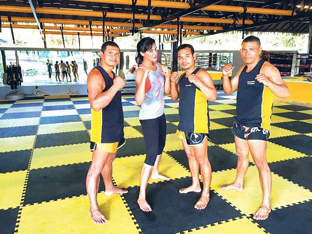 Nargis-Fakhri-with-the-Muay-Thai-trainers-in-Phuket-Thailand-Photo-Viral-Bhayani
