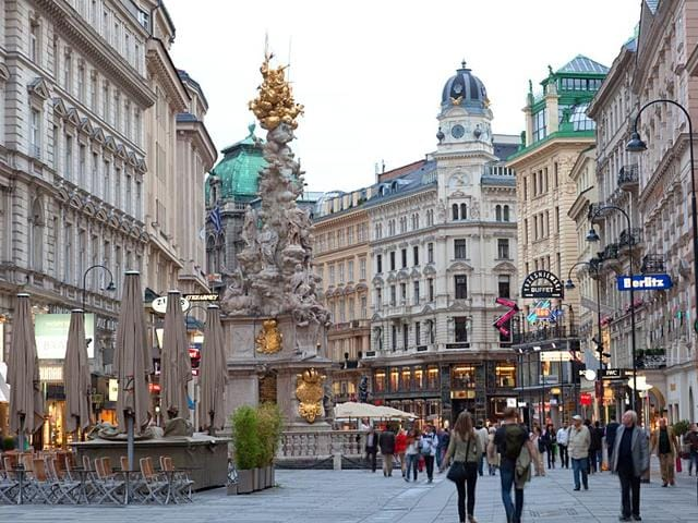 Tourists-on-foot-Graben-Street-in-Vienna-Austria-Photo-Shutterstock