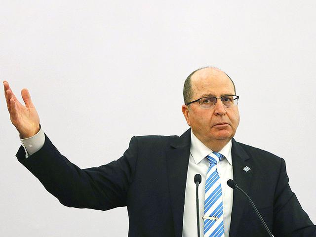 Israeli-defence-minister-Moshe-Ya-alon-addresses-a-gathering-during-a-lecture-themed-Israel-India-Partnership-in-the-21st-Century-in-Delhi-Reuters-photo