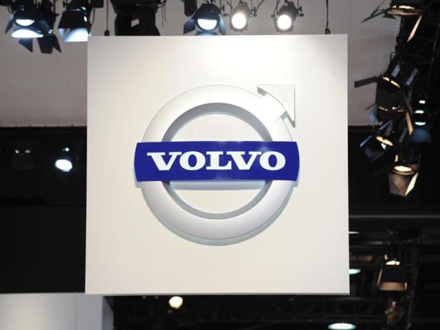 Volvo-Cars-plans-to-put-100-self-driving-cars-on-roads-around-the-Swedish-city-of-Gothenburg-in-2017-in-a-pilot-initiative-with-Sweden-s-transport-authority-and-local-government-Photo-AFP