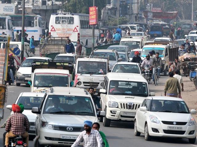 A-scene-near-Kharar-bus-stand-Ravi-Kumar-HT