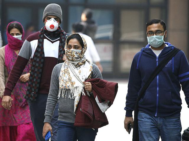 Swine-flu-suspect-patients-waiting-for-their-turn-outside-screening-centre-at-the-Dr-Ram-Manohar-Lohia-Hospital-s-special-ward-in-New-Delhi-HT-Photo-Raj-K-Raj