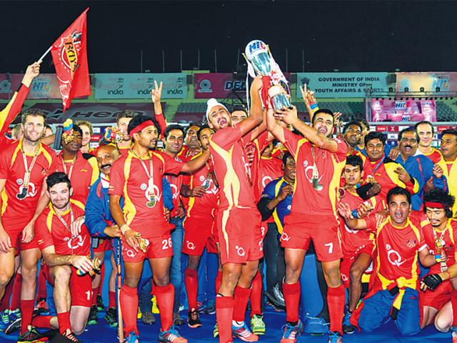 Ranchi-Rays-celebrate-with-the-trophy-after-winning-the-third-edition-of-the-Hockey-India-League-via-a-penalty-shootout-HT-photo-vipin-kumar