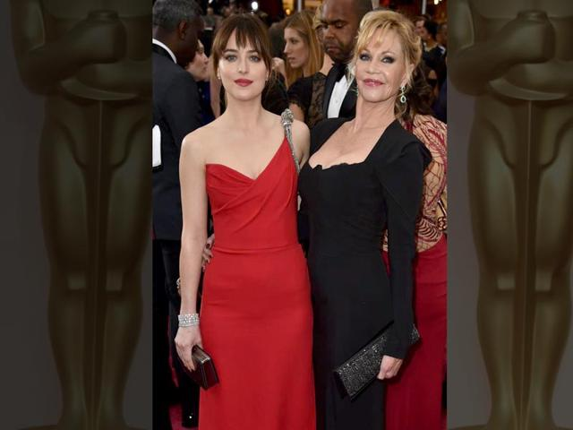 Like-mother-like-daughter-the-two-shades-of-Dakota-Johnson-and-Melanie-Griffith-Photo-twitter