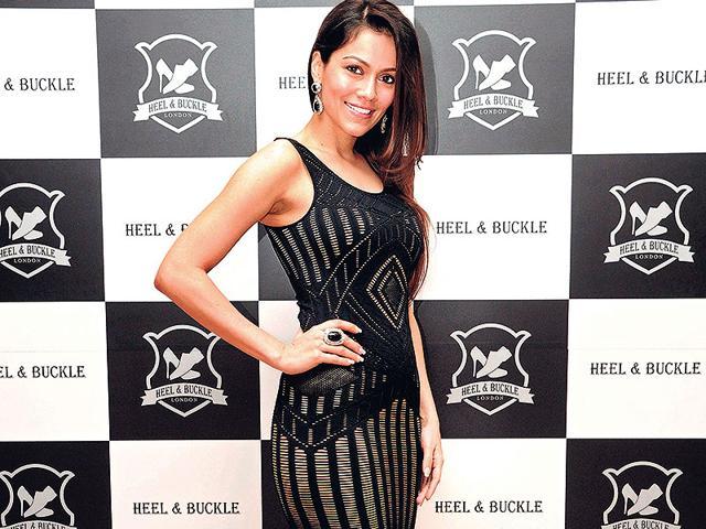 Former-model-Waluscha-De-Sousa-turns-leading-lady-for-Shah-Rukh-Khan-s-next-with-Maneesh-Sharma-Fan-HT-Photo