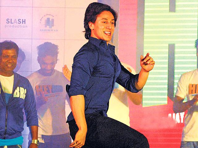 Tiger Shroff, who is known for his dancing skills, flaunts his moves. (Photo: Prodip Guha)