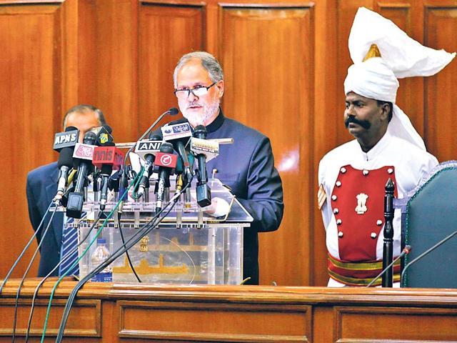 Lieutenant-Governor-of-Delhi-Najeeb-Jung-Addressing-the-new-Delhi-Assembly-Members-before-the-session-at-Vidhan-Sabha-Raj-K-Raj-HT-Photo