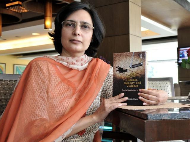 Rainuka-Dagar-with-her-new-book-at-Hotel-Mountviewin-Chandigarh-on-Tuesday-Ravi-Kumar-HT
