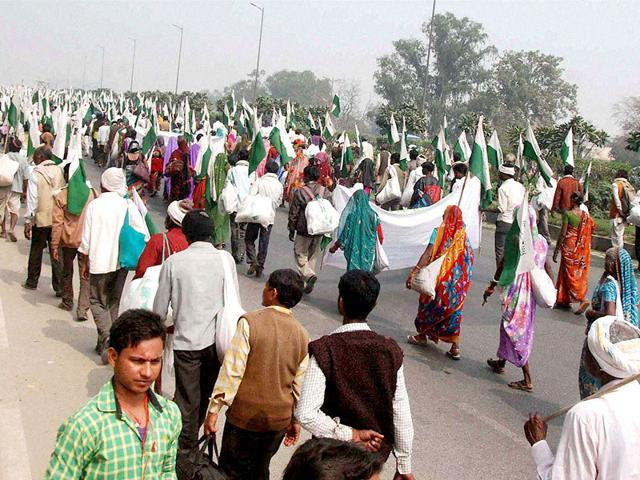 Farmers-during-their-Satyagraha-Yatra-in-Faridabad-on-Monday-to-protest-against-the-Land-Acquisition-Bill-PTI-Photo