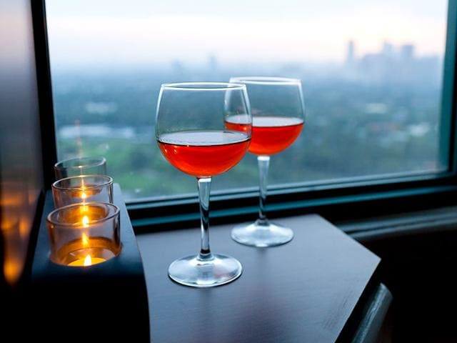 A-study-has-found-that-people-associate-the-luxury-of-an-expensive-restaurant-with-sexual-pleasure-Shutterstock