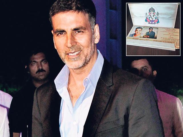 Akshay-Kumar-has-received-a-fan-s-wedding-card-that-has-the-actor-s-photographs-printed-on-it