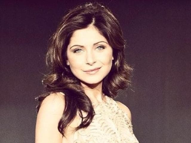 London-based-singer-Kanika-Kapoor-hit-the-bull-s-eye-with-three-highly-popular-songs-Baby-Doll-Ragini-MMS-2-Lovely-Happy-New-Year-and-Chittiyaan-Kalaiyaan-Roy-TheKanikakapoor-Twitter