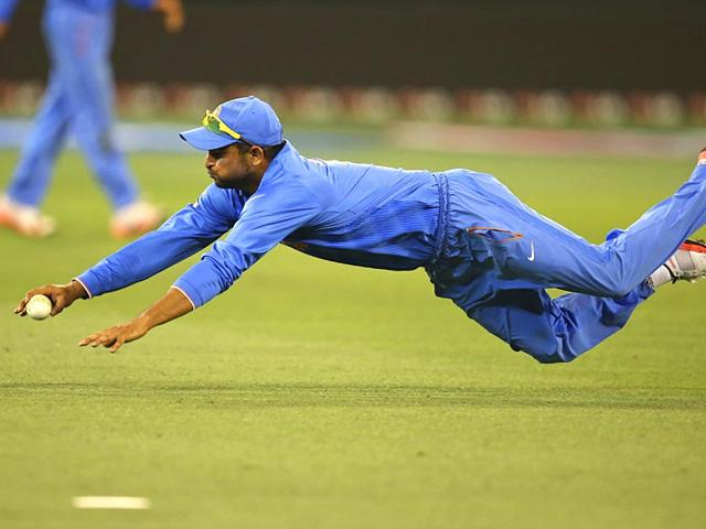 Team India go from butterfingers to electric-heels in the field