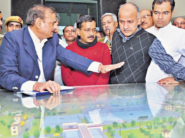 Delhi-CM-Kejriwal-and-his-deputy-Manish-Sisodia-after-inaugurating-a-water-treatment-plant-in-Dwarka-on-Sunday