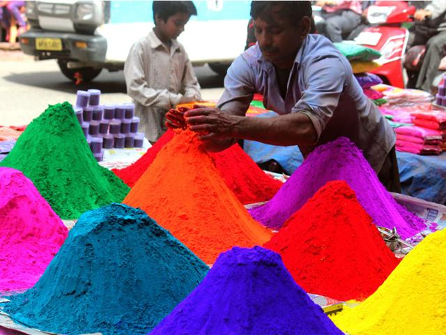 Use herbal colours to avoid problems: Experts