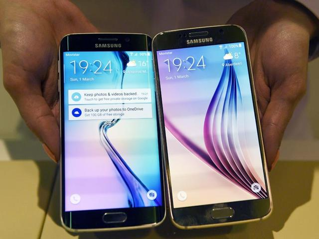 Samsung-announced-the-launch-its-flagship-phones-the-Galaxy-S6-and-S6-Edge-in-India-on-Monday