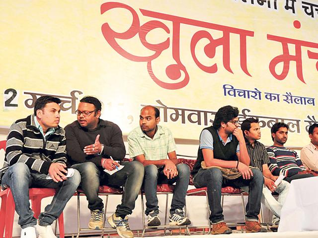 Victims-of-PEB-scam-attend-the-open-forum-at-Iqbal-Maidan-in-Bhopal-on-Monday-Mujeeb-faruqui-HT-photo