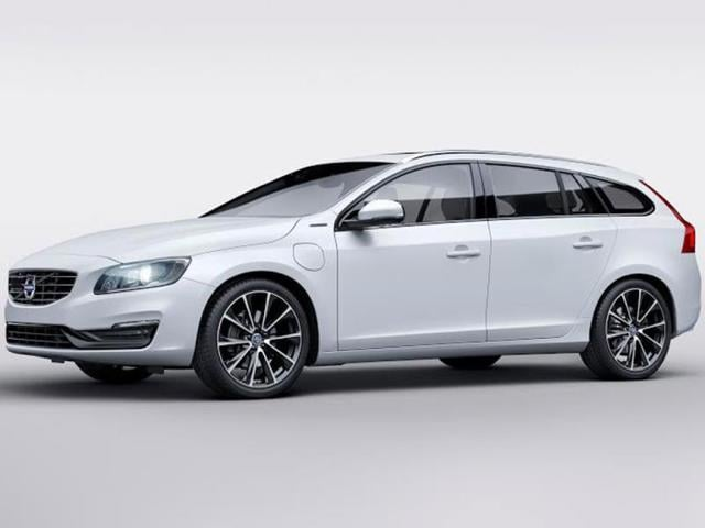 Volvo-V60-D5-Twin-Engine-Photo-AFP