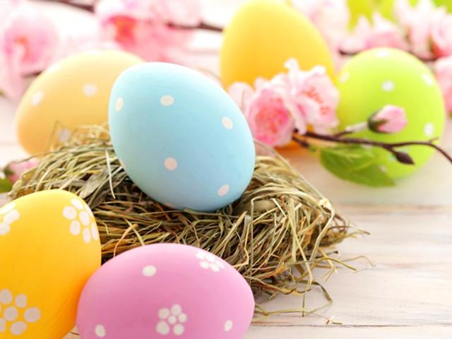 Love Easter, but can't handle the bloating? Here's how to fight it
