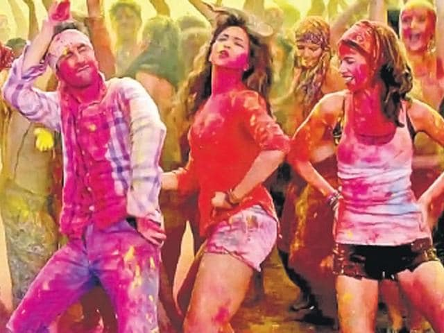 Avoid-sitting-in-the-hot-sun-with-the-colours-still-on-your-face-or-body-especially-if-you-have-used-chemical-colours