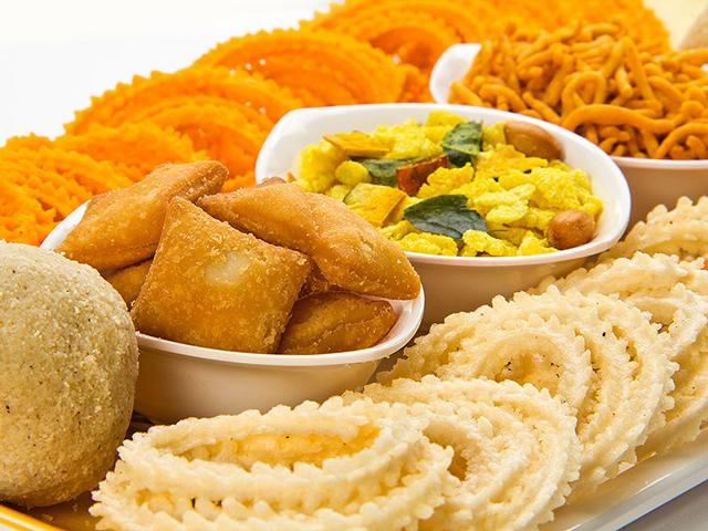 Gujia, thandaai, jaljeera: Some mouth-watering snacks for you this Holi!