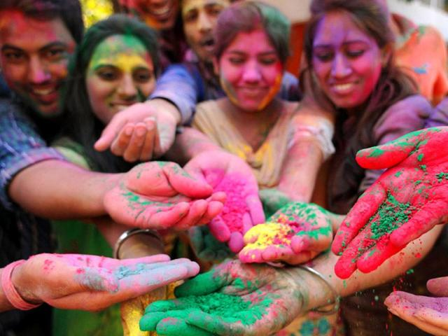 225 emergency cases reported at civil hospital on Holi