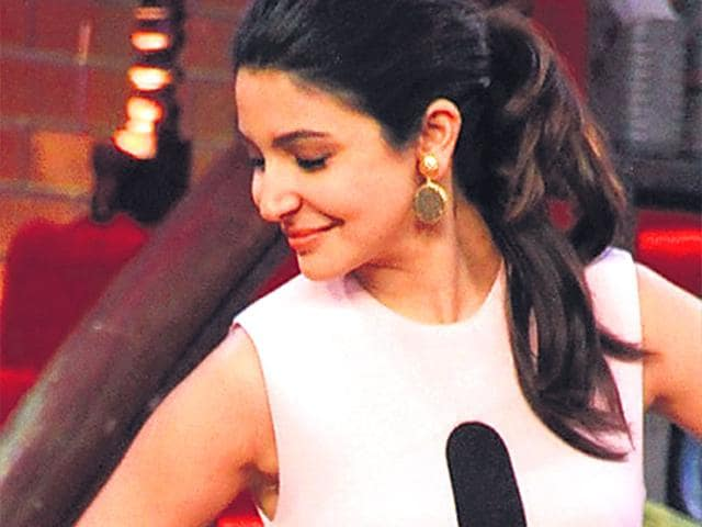 Anushka-Sharma-on-the-sets-of-a-new-TV-show-HT-photo
